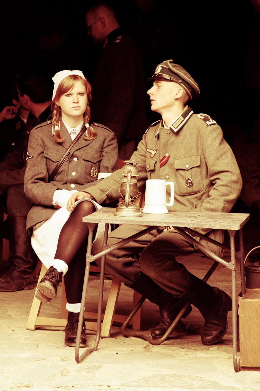 soldier_and_nurse