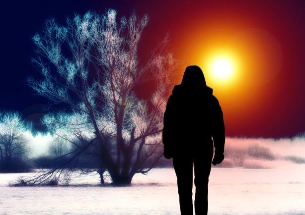 silhouette_woman_tree